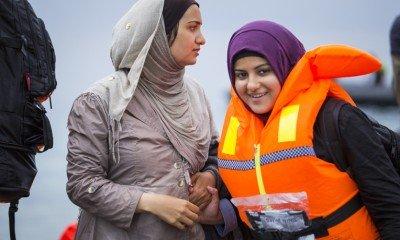 Esraa and Safa arrive in Greece.