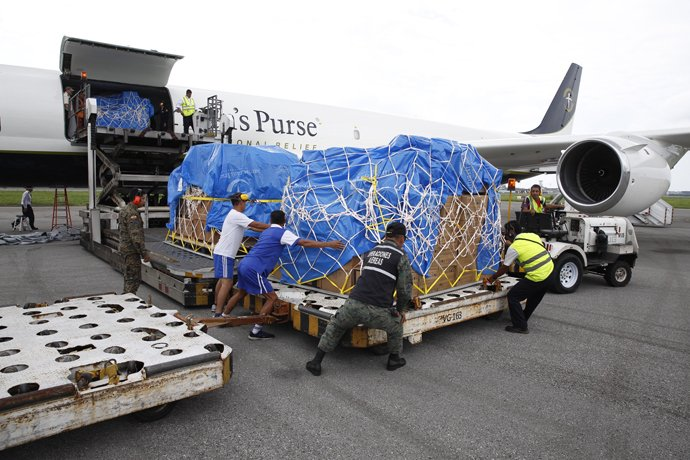 The DC-8 landed in Ecuador with its first shipment on Wednesday, 20th April. Samaritan's Purse has established an emergency field hospital in Chone, along the country's devastated coast.
