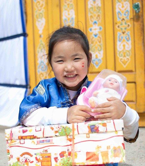 Girl in Mongolia with shoebox gift