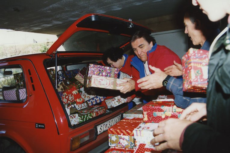 The late Ross Rhoads was a supporter of Operation Christmas Child from the ministry's beginning in 1993.