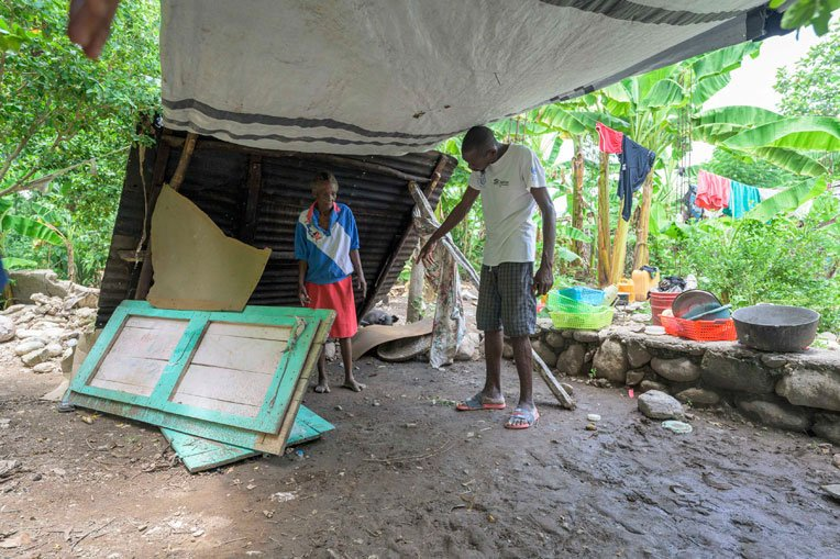 Dano and his mother, Rosemaria, have been sleeping here since the earthquake.